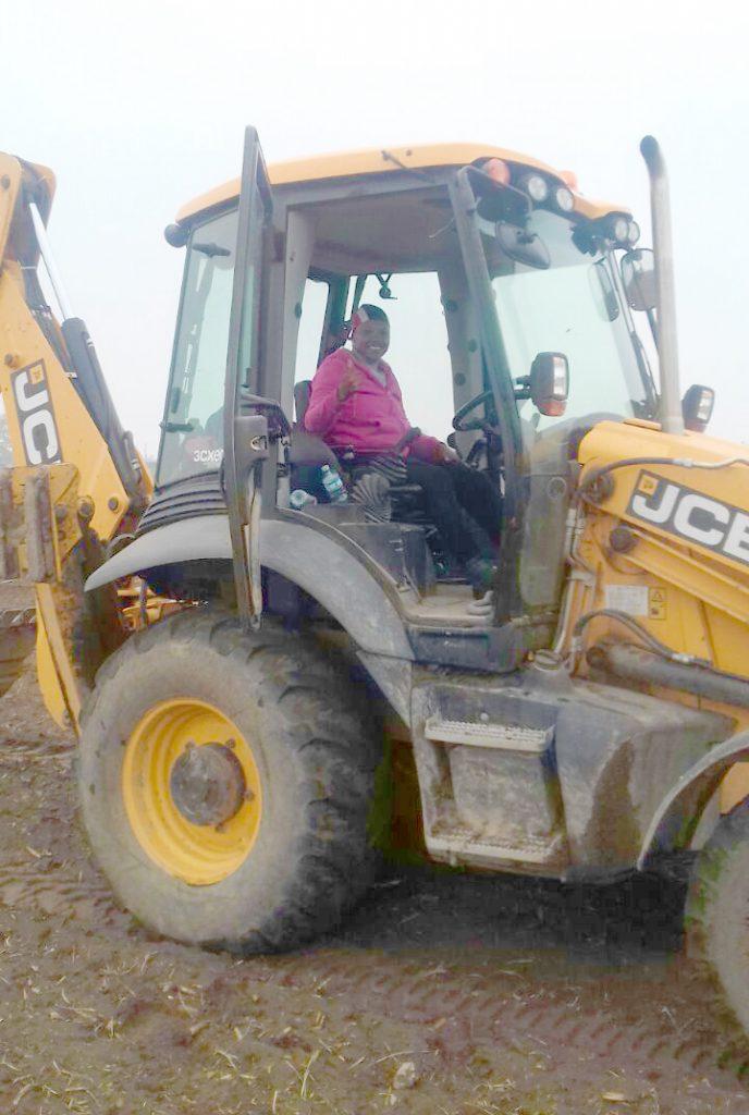 IMG-20180801-WA0005 felena on tractor